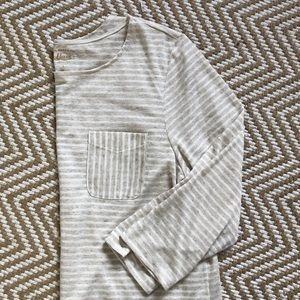 3/4 sleeve striped top.